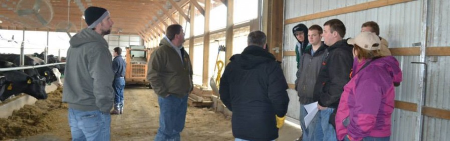 AgBiz Masters Students Tour a Dairy Farm